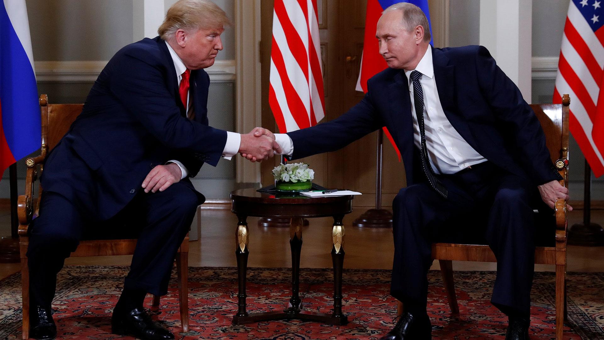 Trump y Putin mostraron pocas sonrisas en la primera aparición conjunta de la jornada
