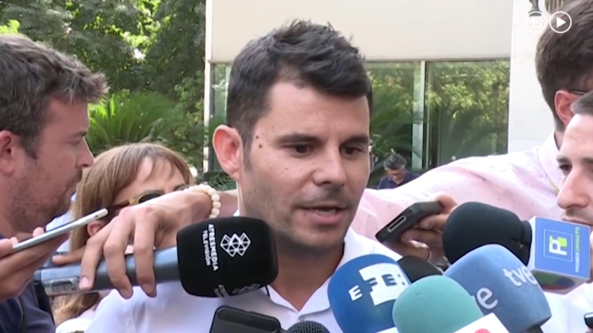 Javier Sanchez Santo asegura que es hijo de Julio Iglesias