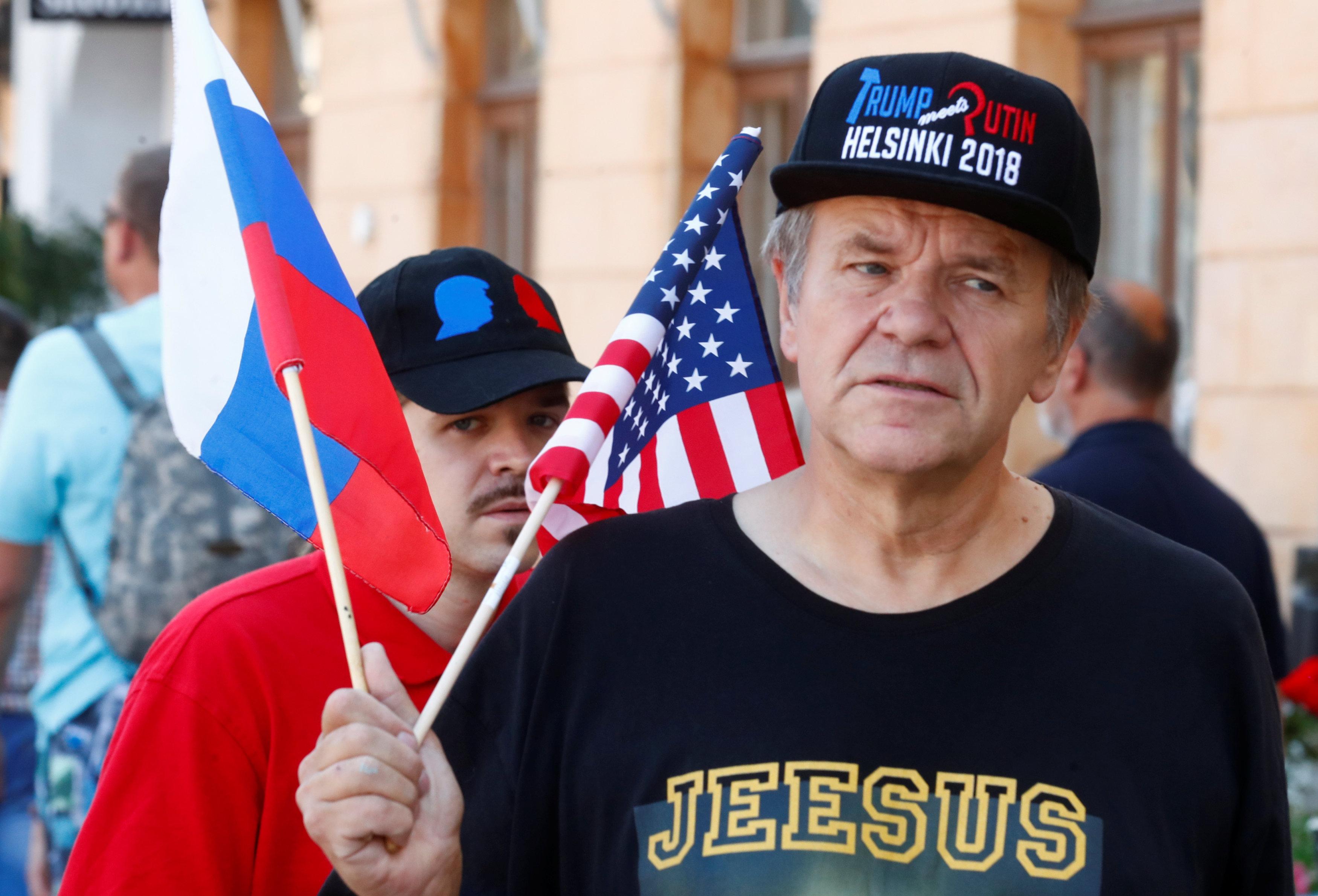 La tranquila Helsinki se vio agitada por el movimiento de las comitivas, los simpatizantes y los opositores