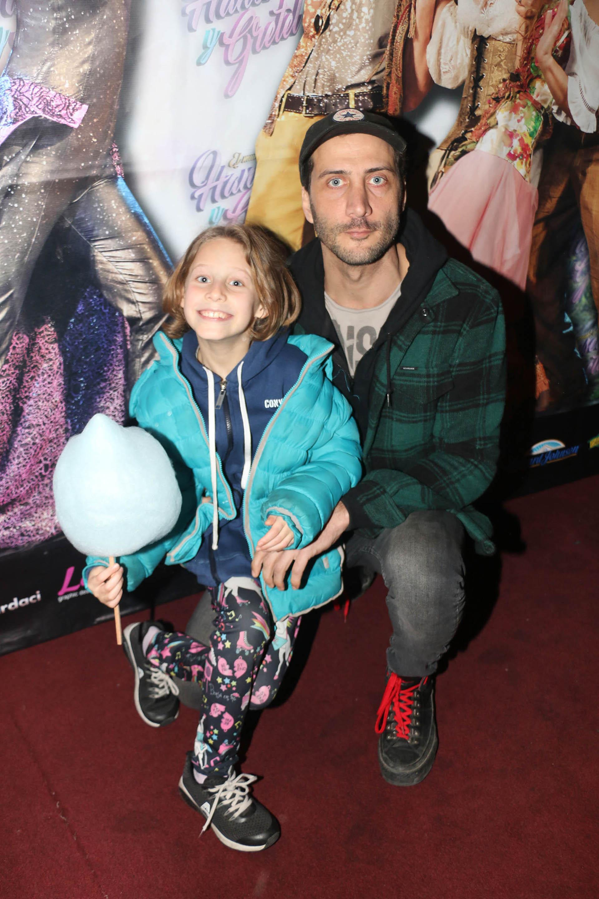 Luciano Cáceres con su hija