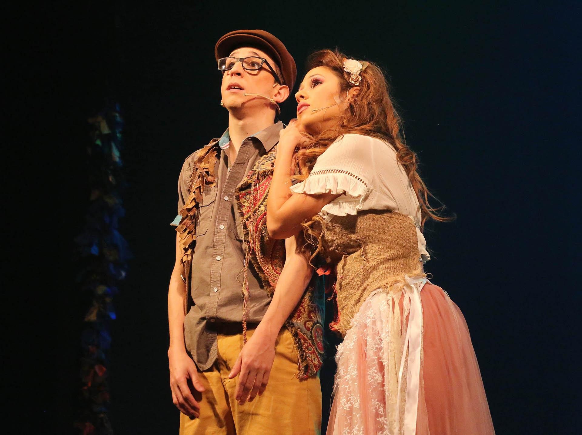 """Rodrigo Noya y Barby Silenzi protagonizan """"El mundo de Hansel y Gretel"""" en el teatro Regina(Veronica Guerman / Teleshow)"""
