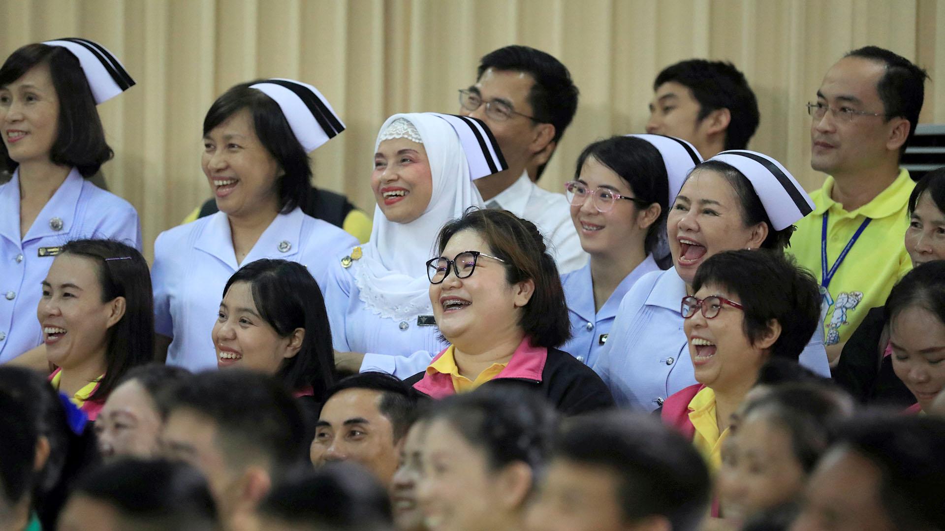 Amigos y familiares acompañaron en la conferencia