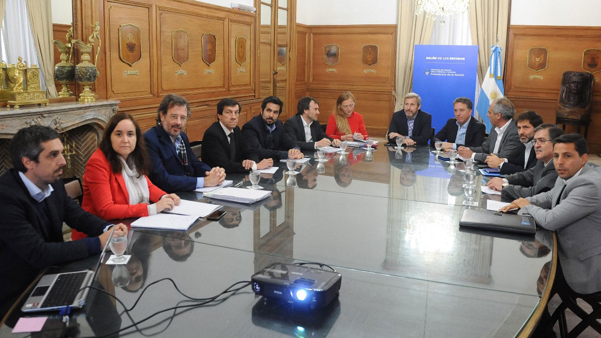 Hacienda planifica coordinar un conjunto de medidas con los ministros de las provincias