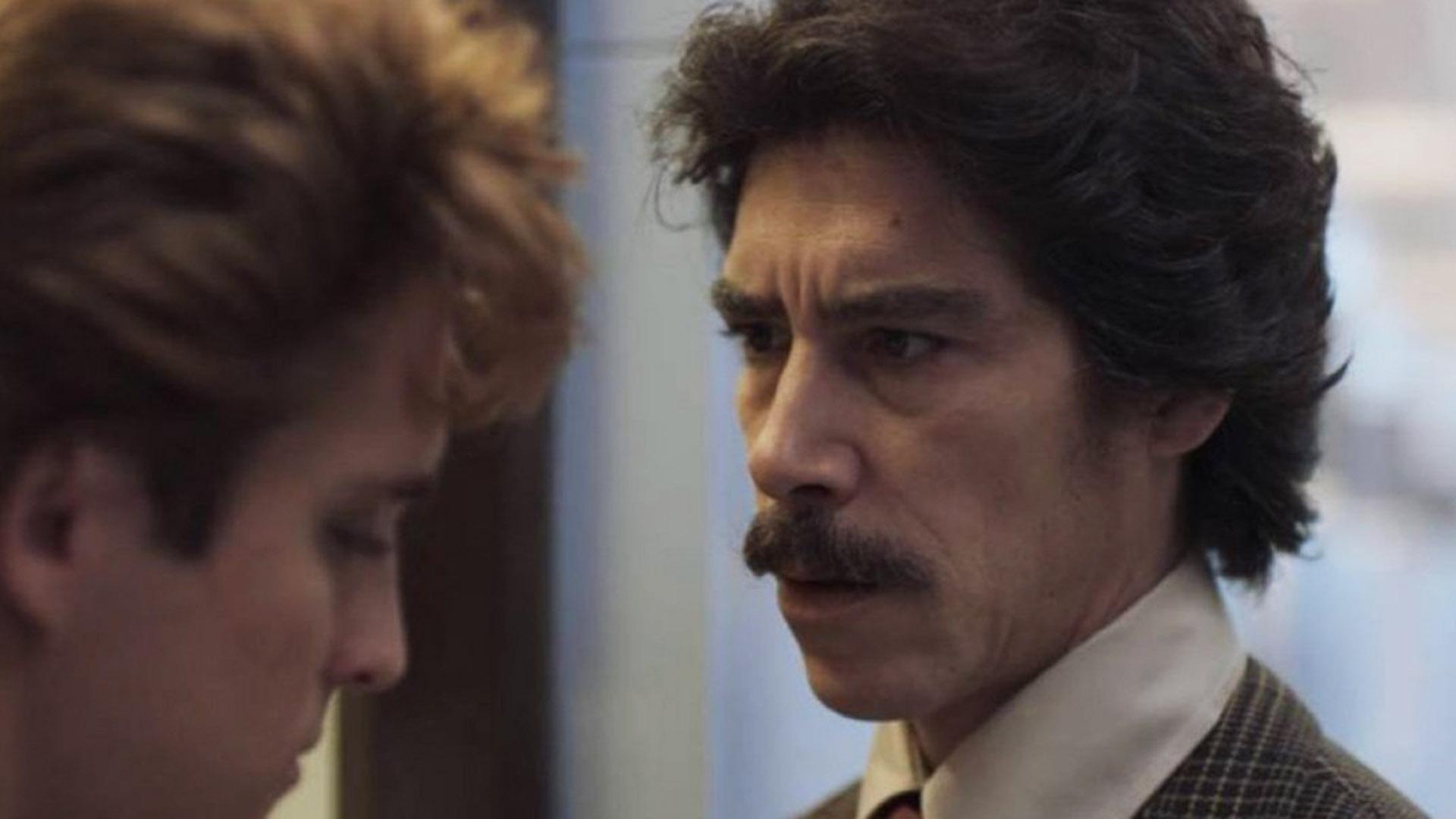 """Jaenada en una escena de """"Luis Miguel, la serie"""", donde interpretó magistralmente a Luis Rey, el controversial padre del cantante (aquí, Diego Boneta)"""