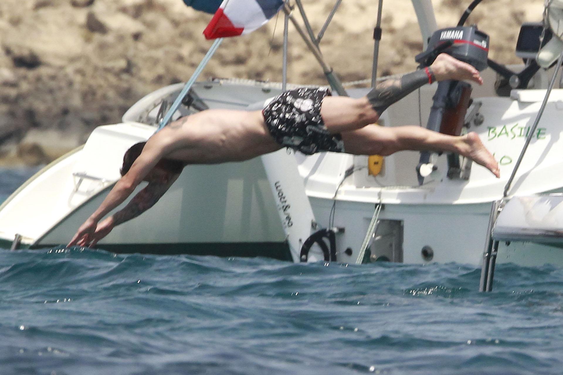 Lionel Messi y Antonela Roccuzzo disfrutan del sol en familia en un yate por Formentera (Grosby Group)