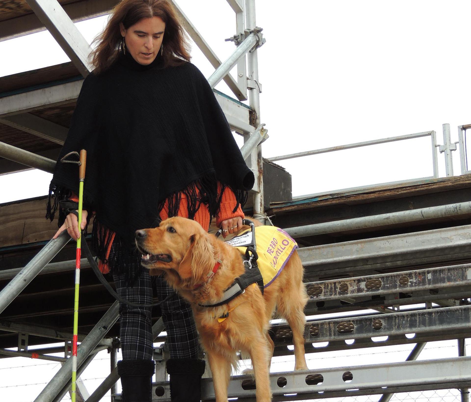 Hoy Canela es más que un perro para María Sol, es una compañía y ejemplo del programa de perros guías