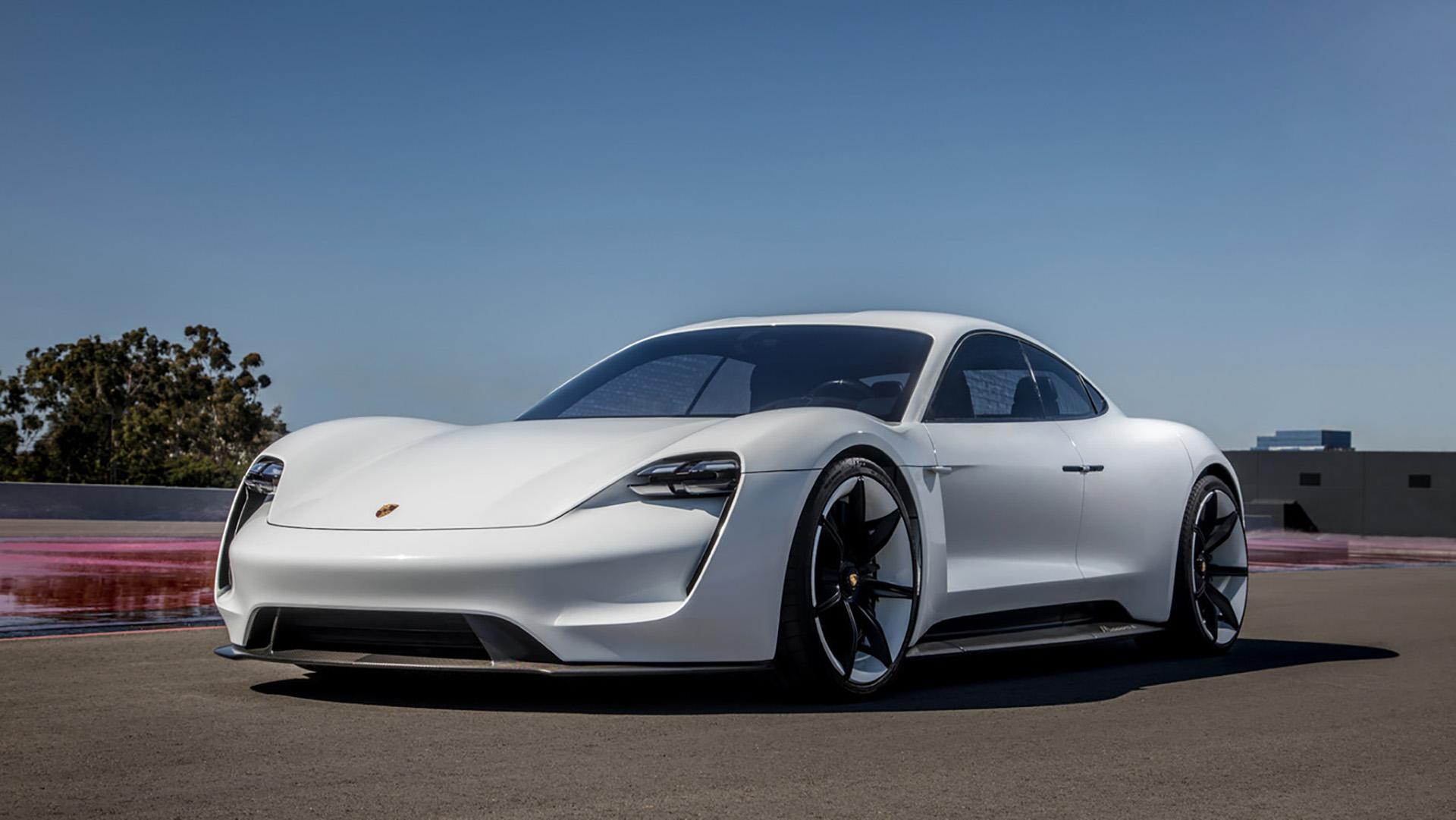 El Porsche Taycan tendrá espacio para cuatro personas