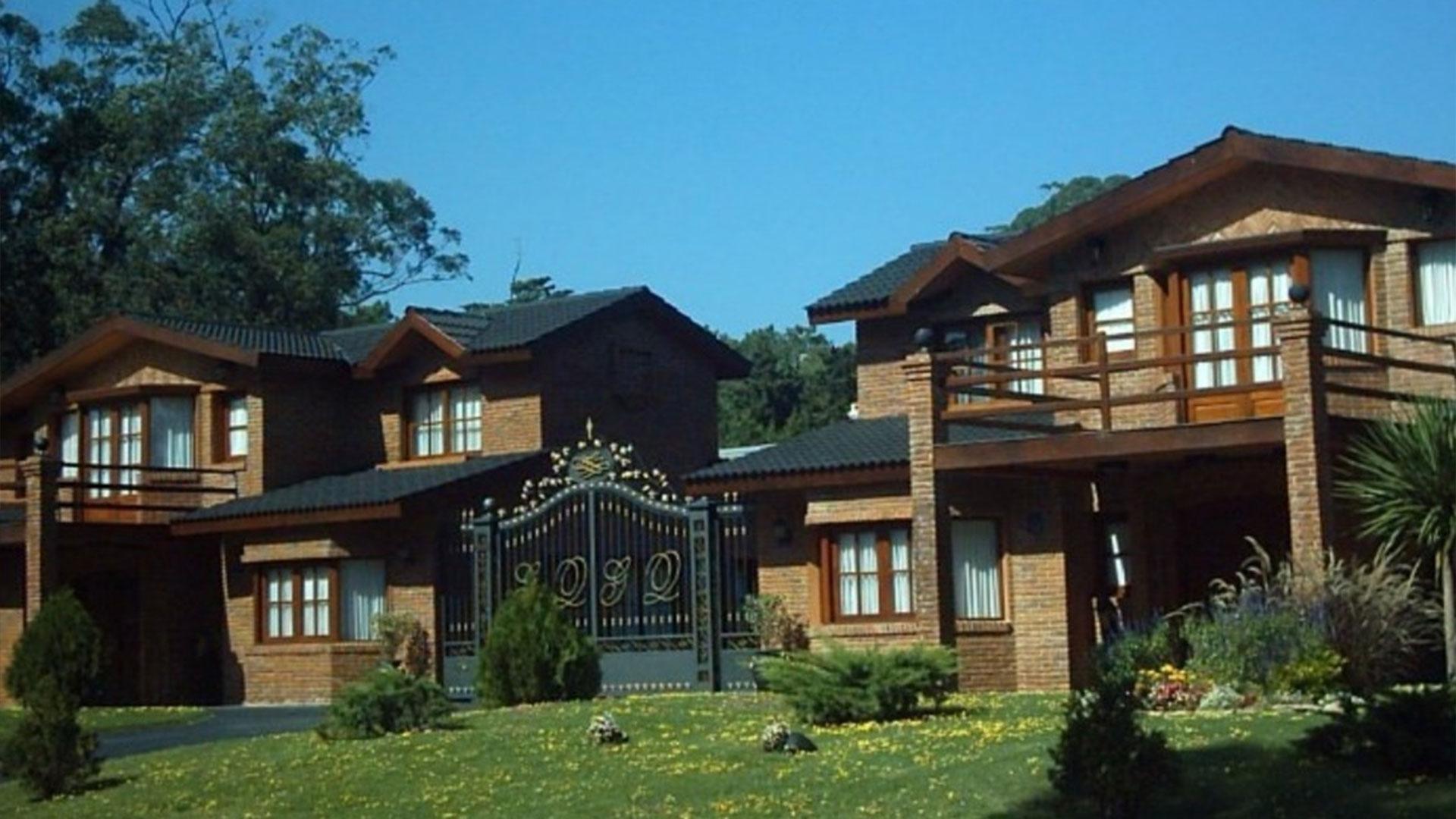 La mansión tiene dos casas