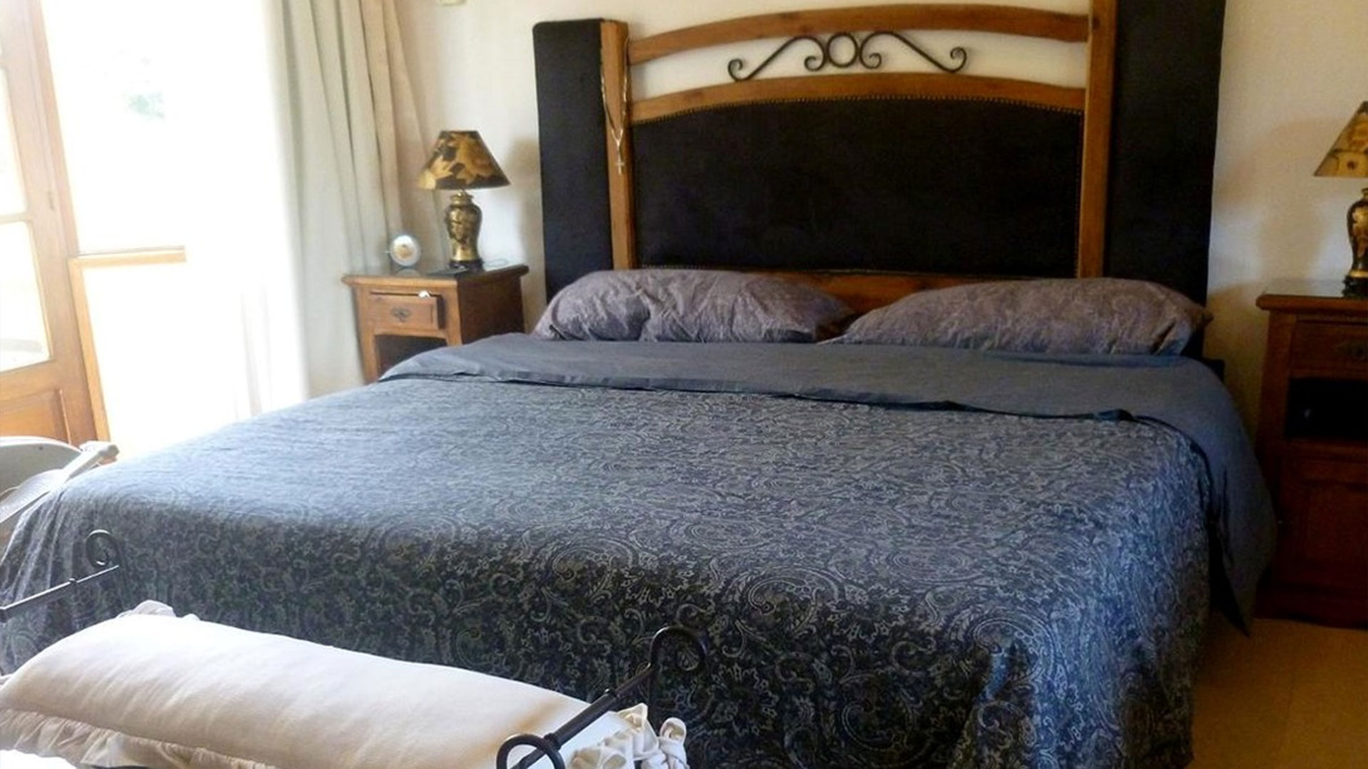 En total son diez dormitorios, en los que se realizaban las fiestas