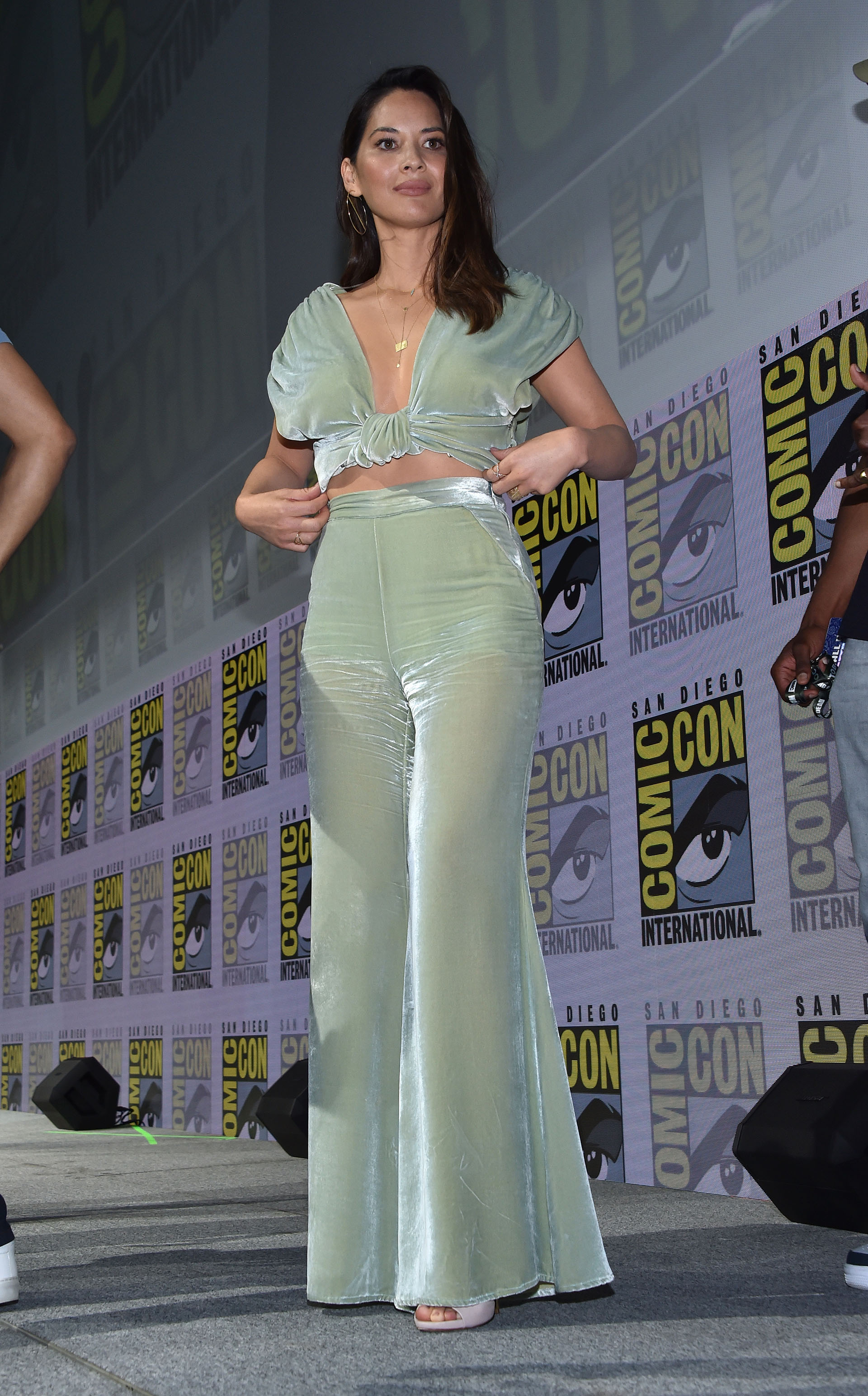 Olivia Munn y un delicado conjunto verde claro
