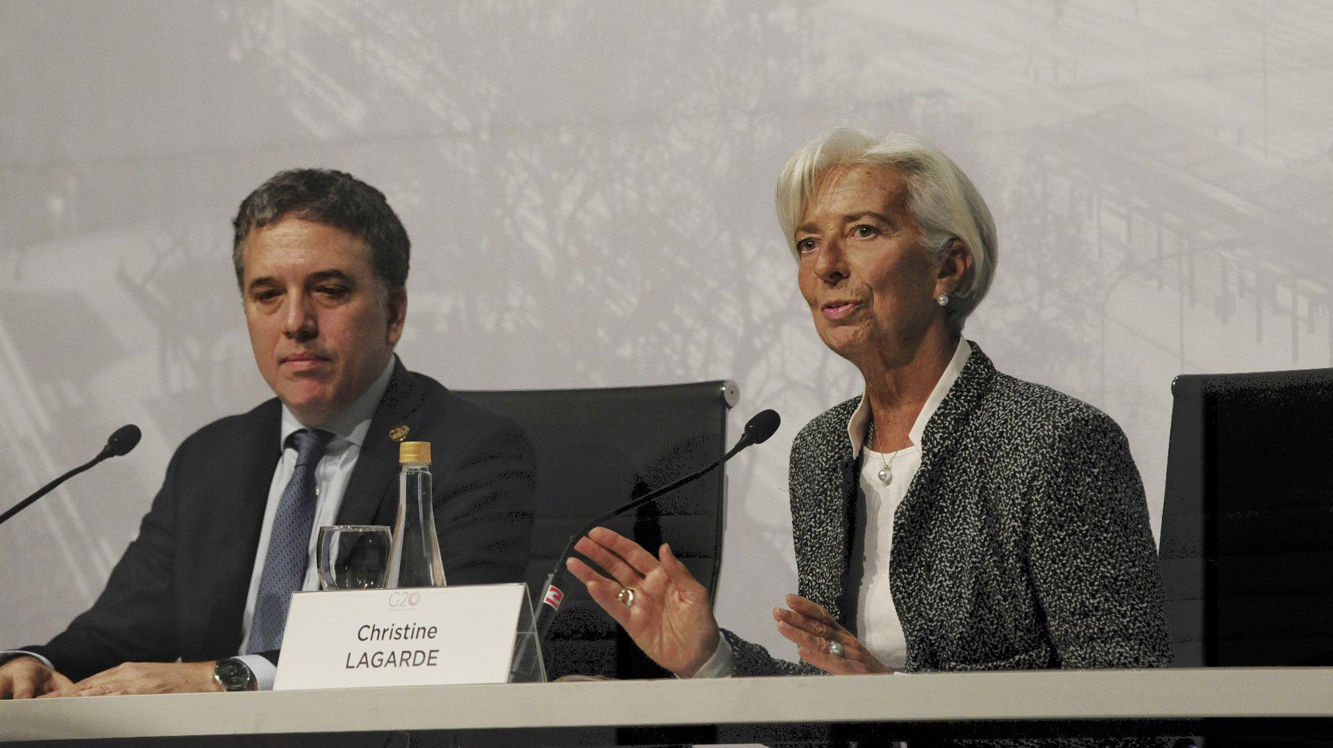La titular del Fondo Monetario Christine Lagarde junto al ministro Nicolás Dujovne enjulio pasado, en una reunión en el marco del G20 (Foto: Patricio Murphy)