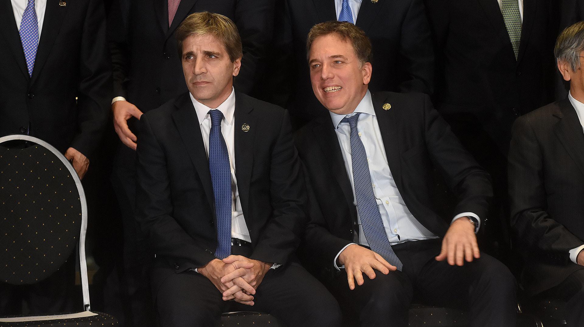 Luis Caputo y Nicolás Dujovne en la reunión de ministros de Economía y presidentes del bancos centrales del G20 (Foto: Nicolás Stulberg)
