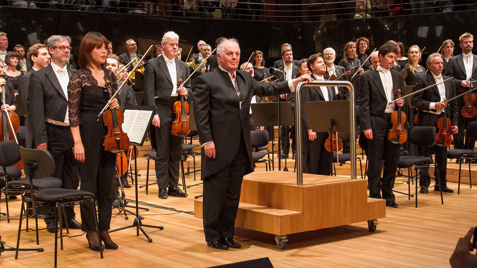 La serie de presentaciones de Daniel Barenboim y la Staatskapelle Berlin en el CCK concluyó con un tributo a Claude Debussy, en el centenario de su fallecimiento, y una de las cumbres del repertorio: La consagración de la primavera, de Igor Stravinski