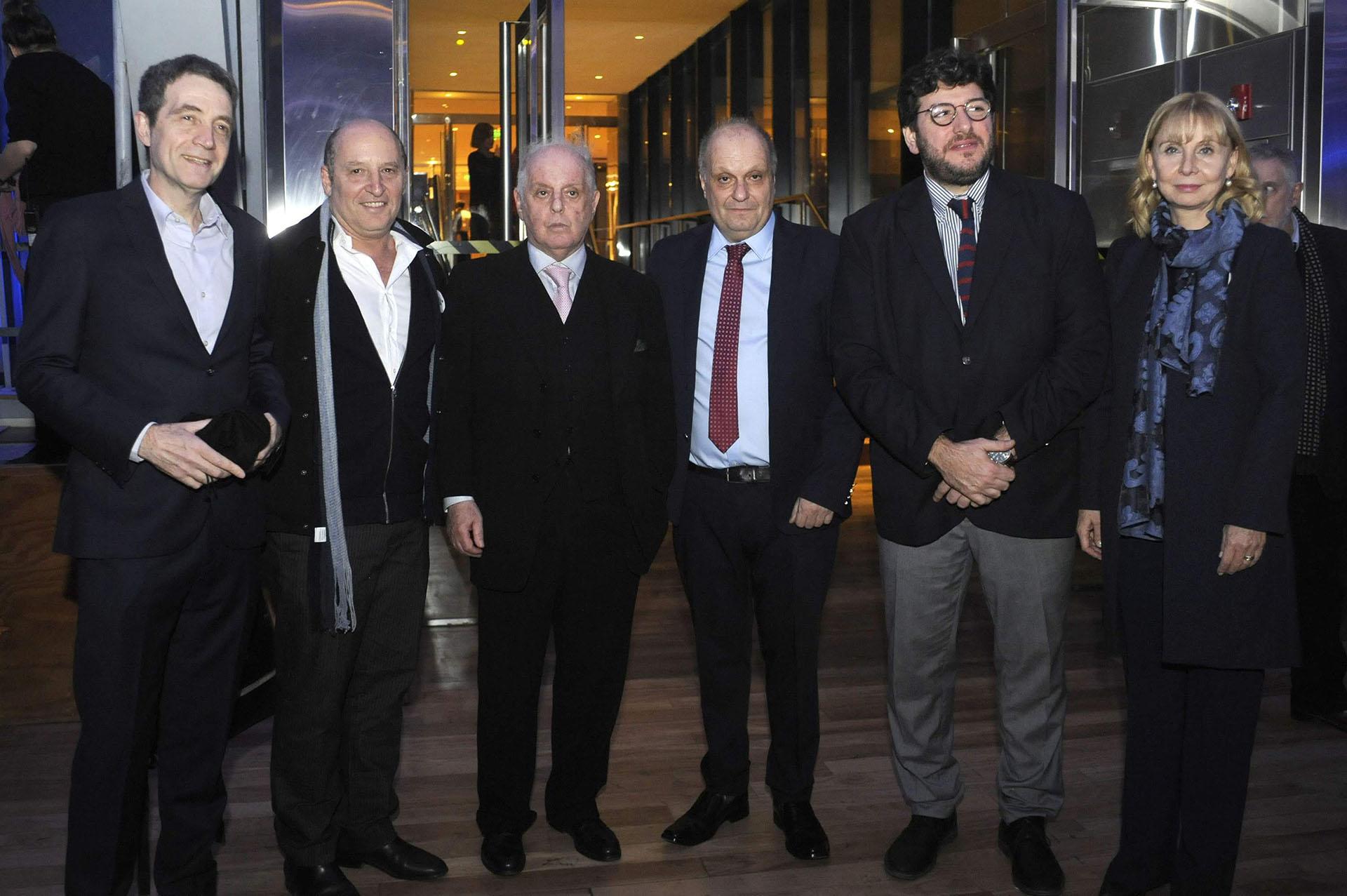 Gustavo Mozzi, director del CCK junto al maestro Daniel Barenboim, Hernán Lombardi, Pablo Avelluto y María Victoria Alcaraz
