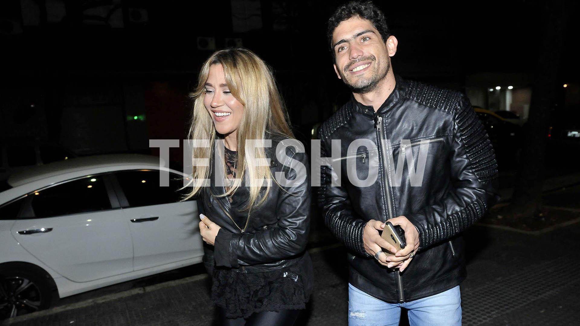 Jimena Barón y Rodrigo Romero tuvieron su primera salida juntos, tras viajar a Brasil. Los actores fueron a ver el show de Heidy Viciedo en el teatro Sony (Verónica Guerman)