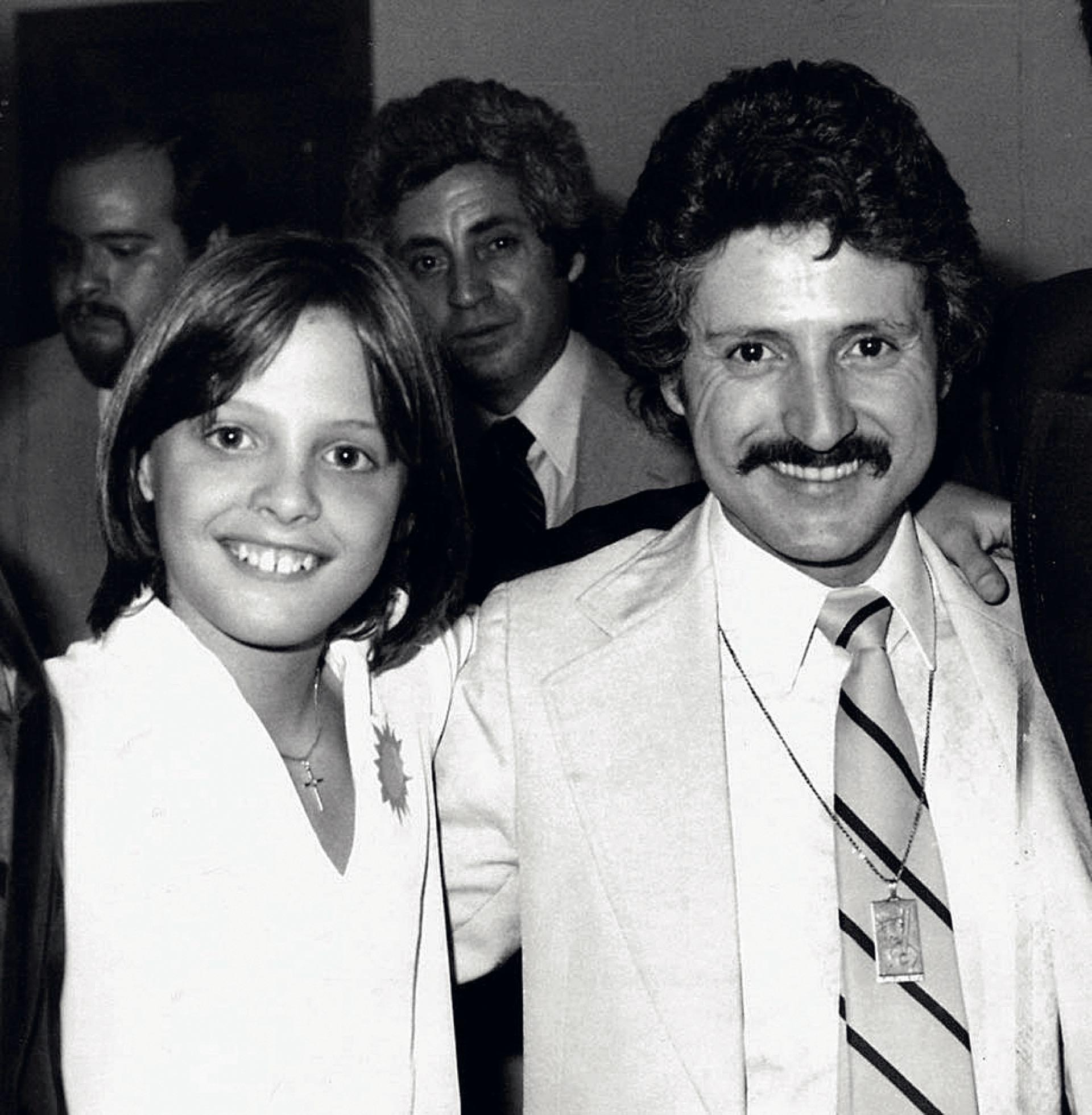 Luis Miguel y su papá Luis Rey en el comienzo de su carrera.