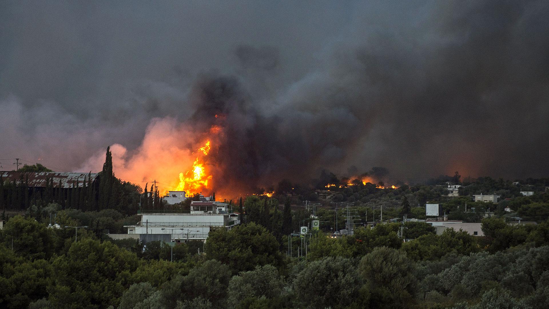 La cifra oficial de fallecidos por los incendios en Grecia se eleva a 91