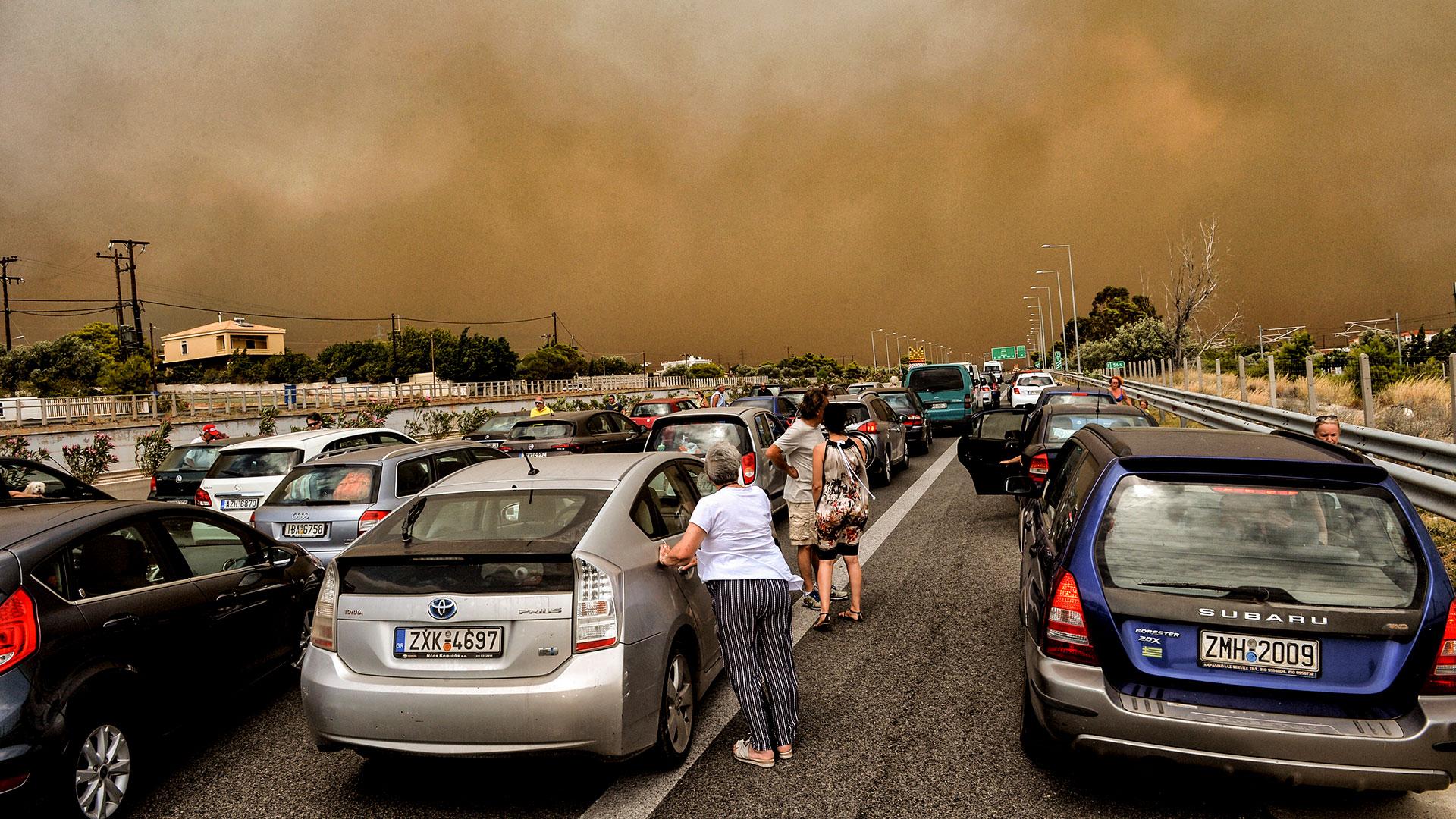 Al menos 94 personas mueren y más de 180 resultan heridas en la localidad de Mati, Grecia, en los incendios forestales que quemaron 1.500 hectáreas entre el 23 y el 24 de julio