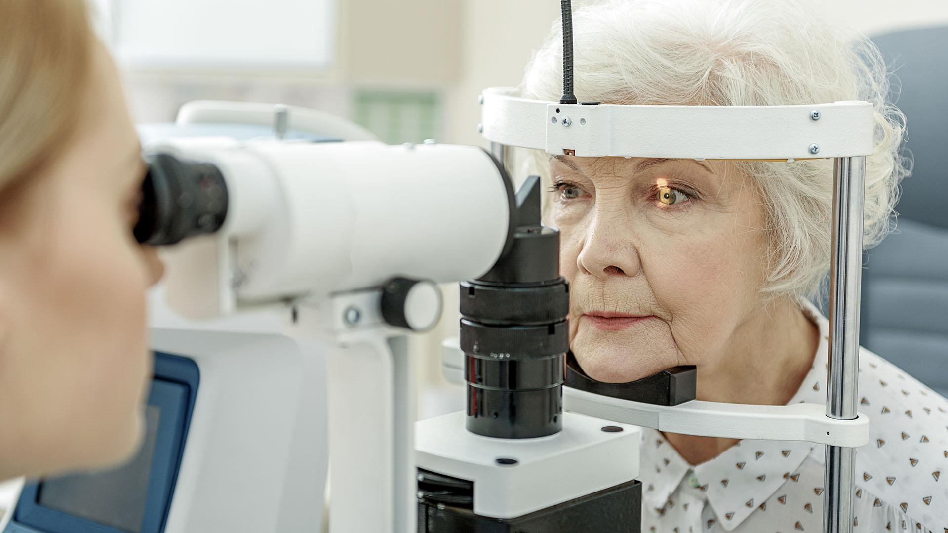 Una vez detectado, puede tratarse con gotas, medicación oral, láser y cirugía (Getty)