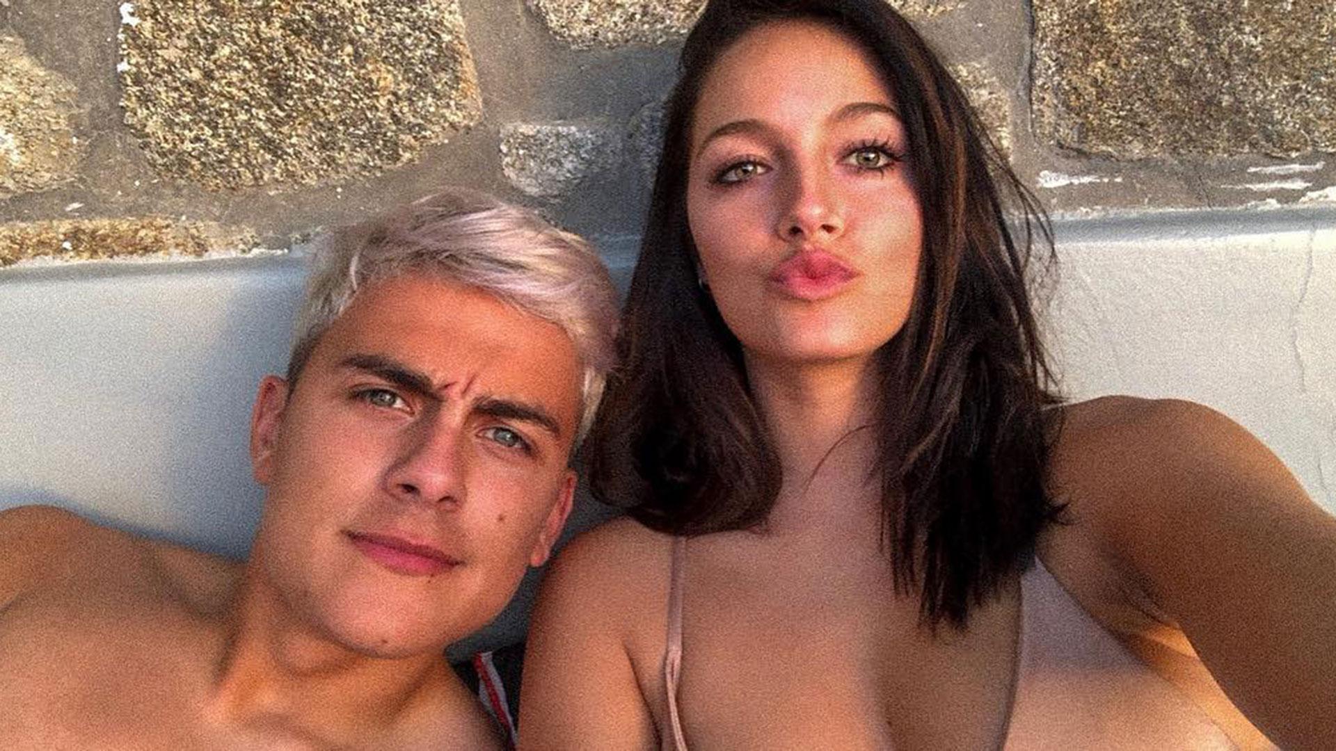 La primera selfie de Oriana Sabatini y Paulo Dybala. La cantante y el futbolista realizaron una escapada romántica a Grecia