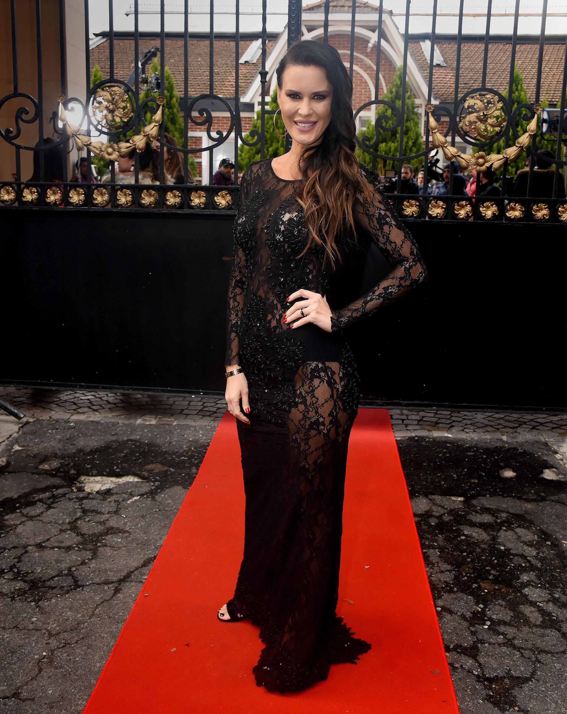 Natalie Weber lució un vestido de Benito Fernández