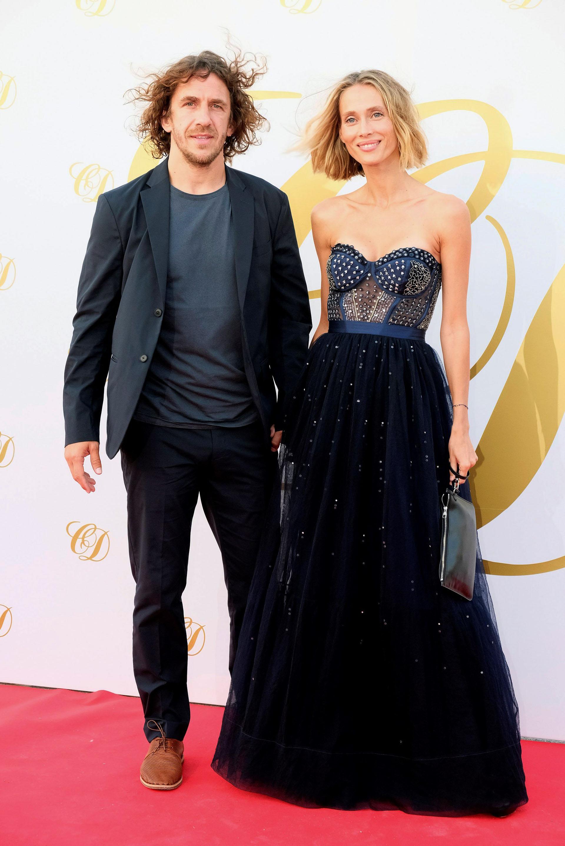El ex futbolista Carles Puyol y su mujer, Vanesa Lorenzo