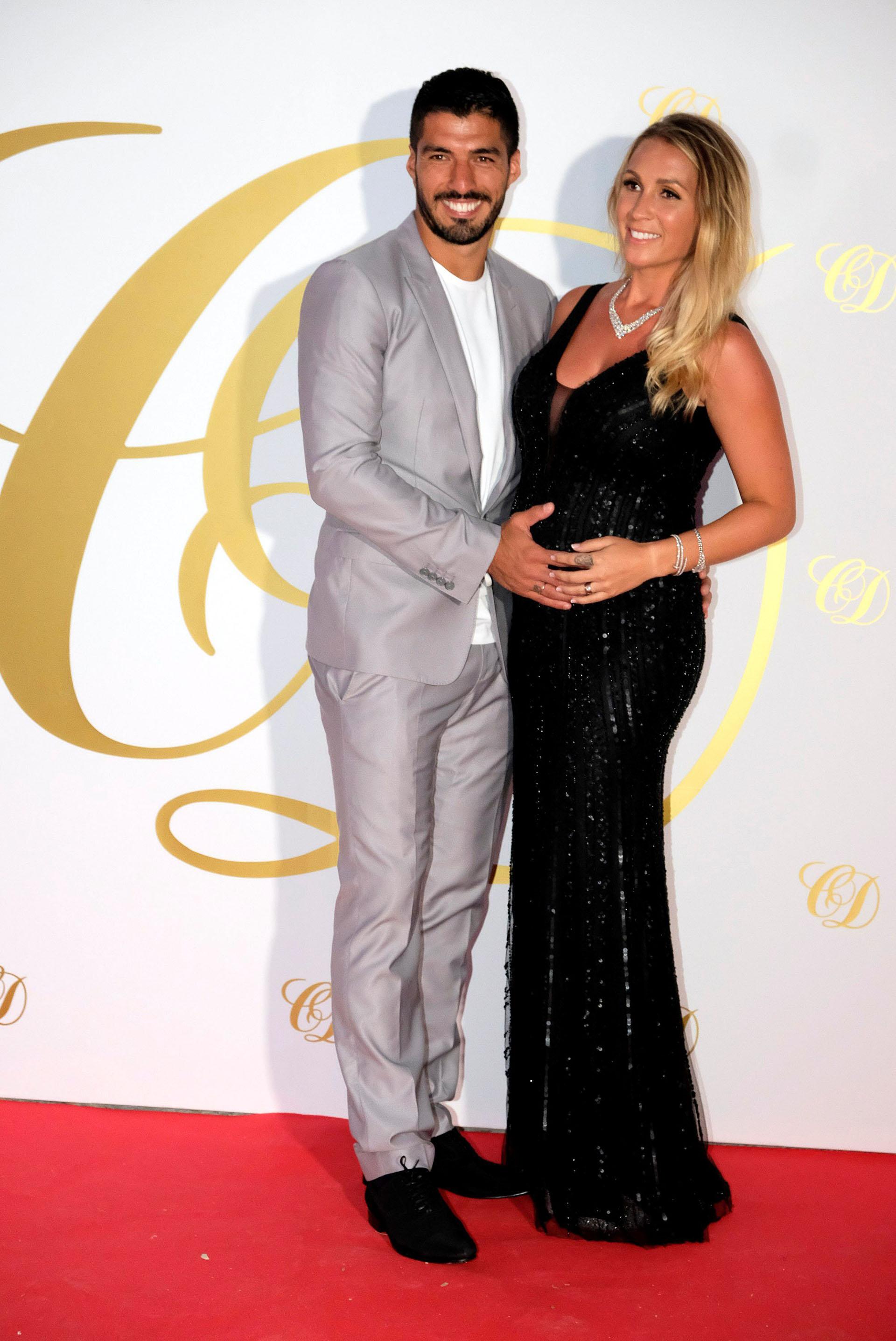 Luis Suárez y su esposa, Sofía Balbi, que está embarazada