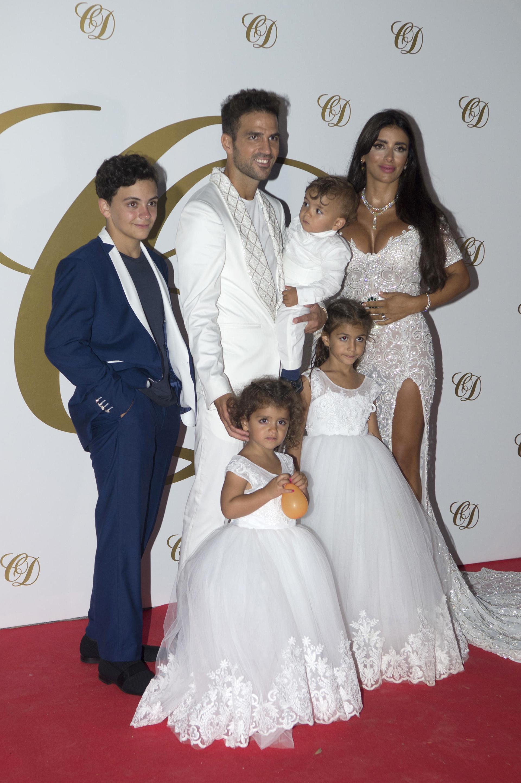 Los recién casados tienen tres hijos