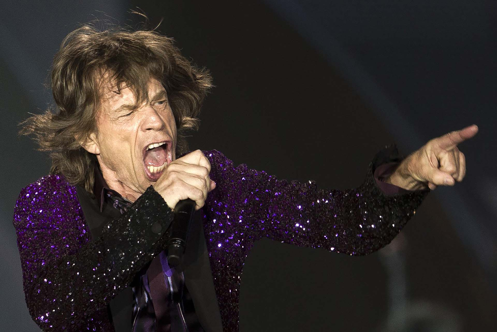 Mick Jagger, se presenta durante un concierto en Hayrkon Park en Tel Aviv, Israel, el miércoles 4 de junio de 2014