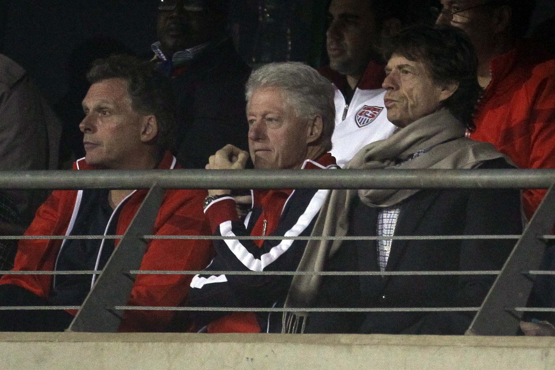 El 26 de junio de 2010, presenció uno d egos partidos de los EEUU en el Mundial de Fútbol de Sudáfrica. Con él, el ex presidente Bill Clinton