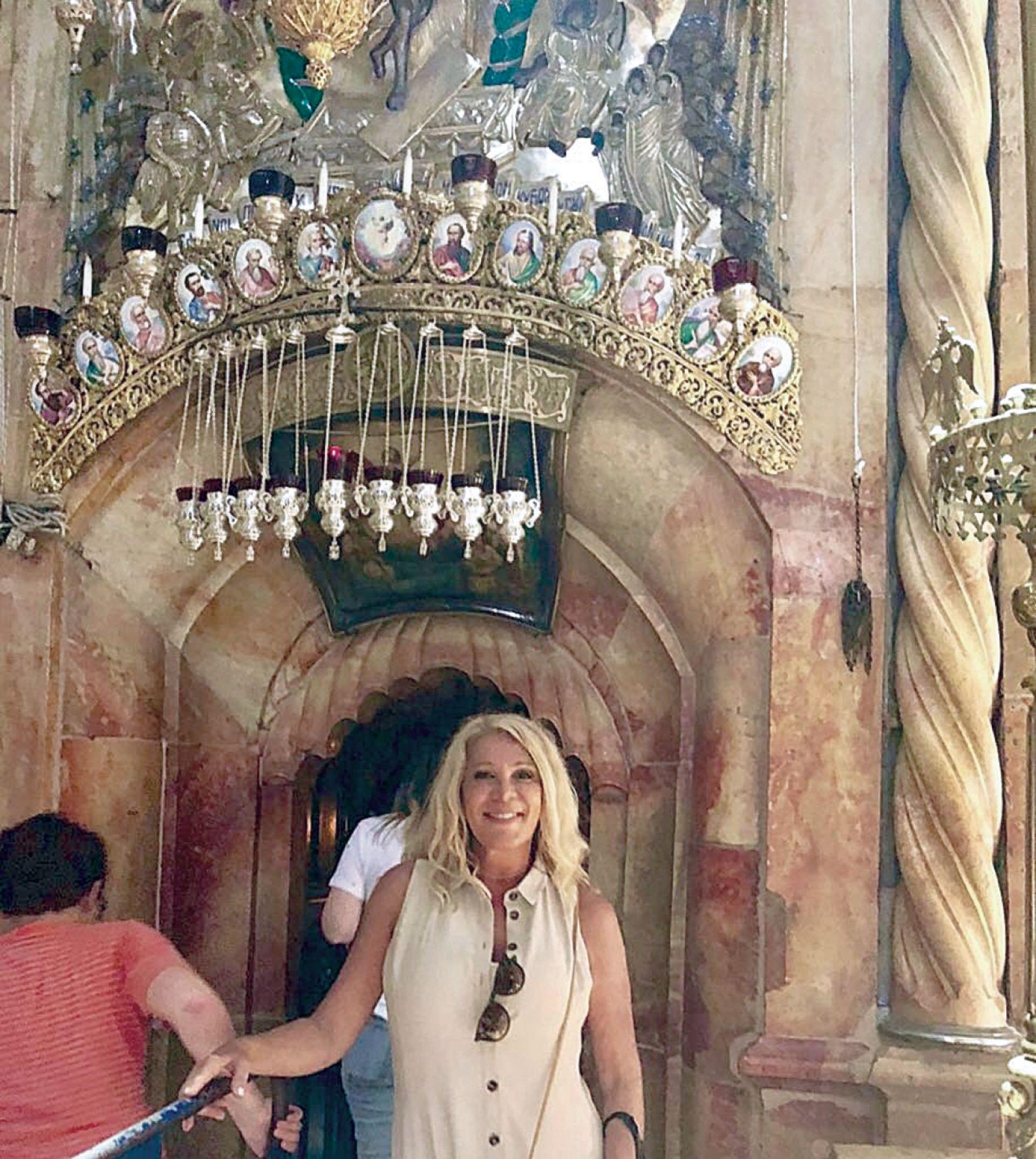 La Iglesia del Santo Sepulcro, levantada donde crucificaron y sepultaron a Jesús.