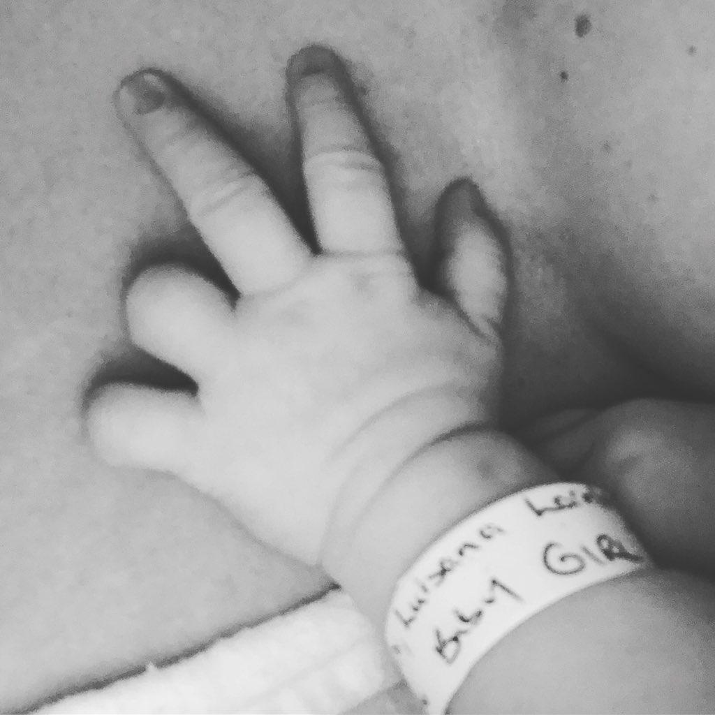 En Canadá, nació Vida, la hija de Luisana Lopilato y Michael Bublé. La primera foto de la pequeña fue compartida en Instagram por la actriz que ya es mamá de Noah y Elías