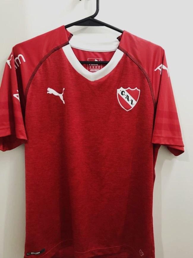 Esta es la camiseta de Independiente que se filtró en las redes (@rojosdepasionok)