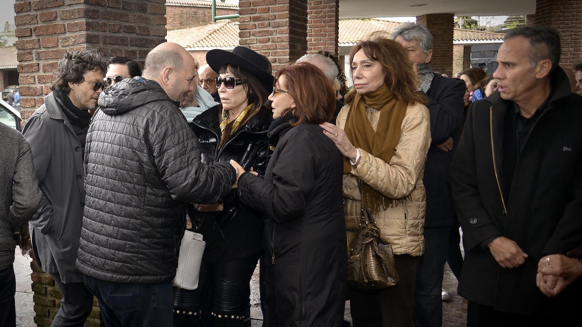 Carlos Rotemberg, Moria Casán, Nora Cárpena y Marta Bianchi