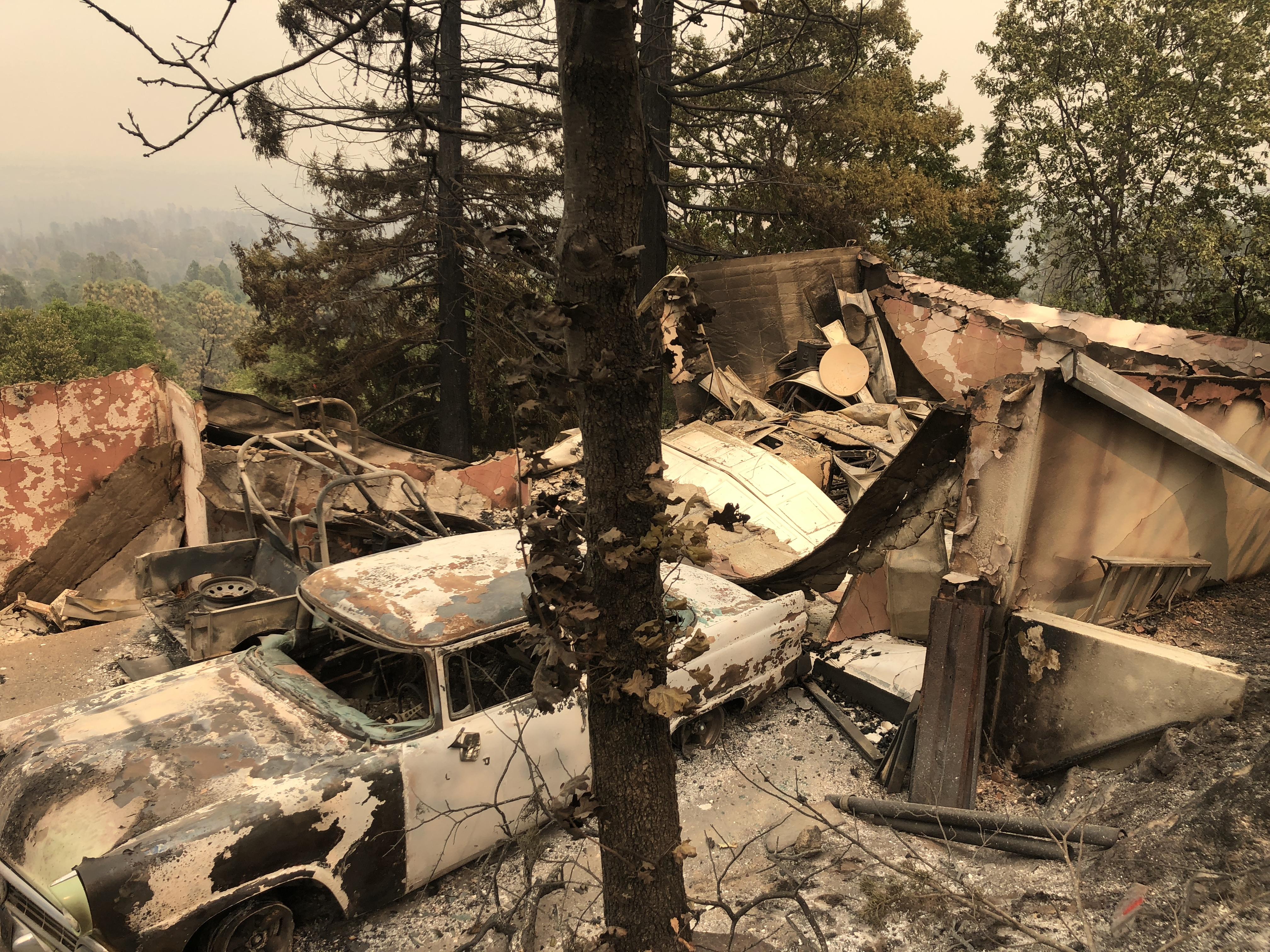 La devastación en un barrio cerca de Redding (AFP/ Gianrigo MARLETTA)