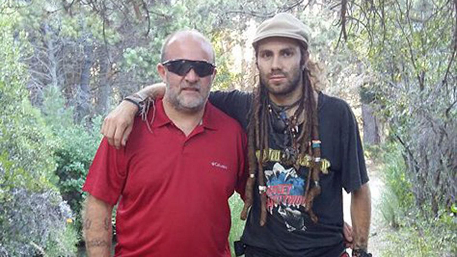 Sergio y Santiago Maldonado, en los bosques patagónicos