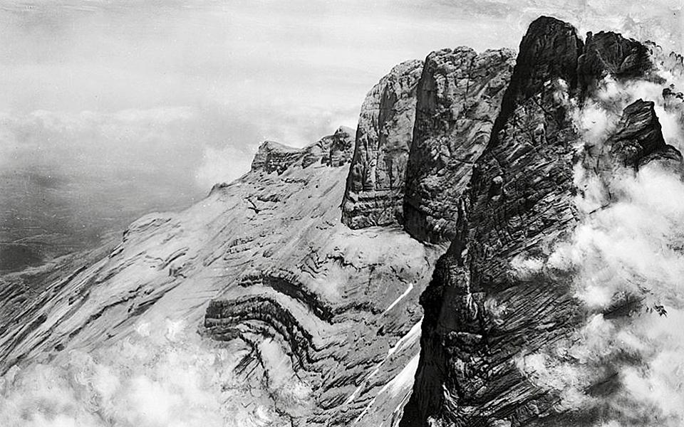 Vista desde la cumbre más alta en una foto tomada por Boissonnas (Museo de la fotografía de Tesalónica)