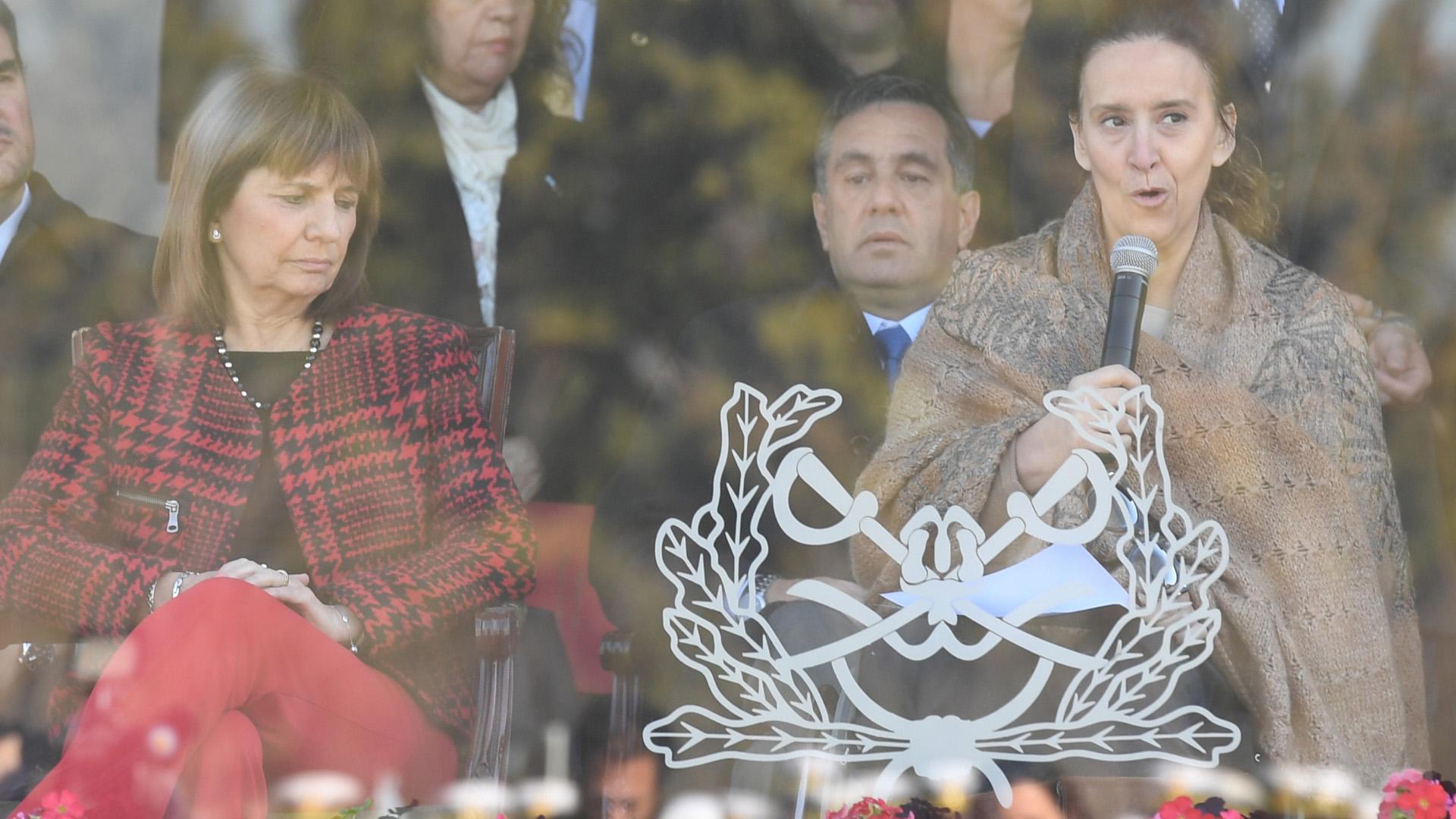 """La vicepresidente Gabriela Michetti encabezó el acto oficial por los 80 años de la Gendarmería. """"Me siento reconfortada con la invitación a esta ceremonia, quiero aprovechar la oportunidad para hacerles llegar una palabra de reconocimiento de todo el gobierno nacional"""", aseguró."""