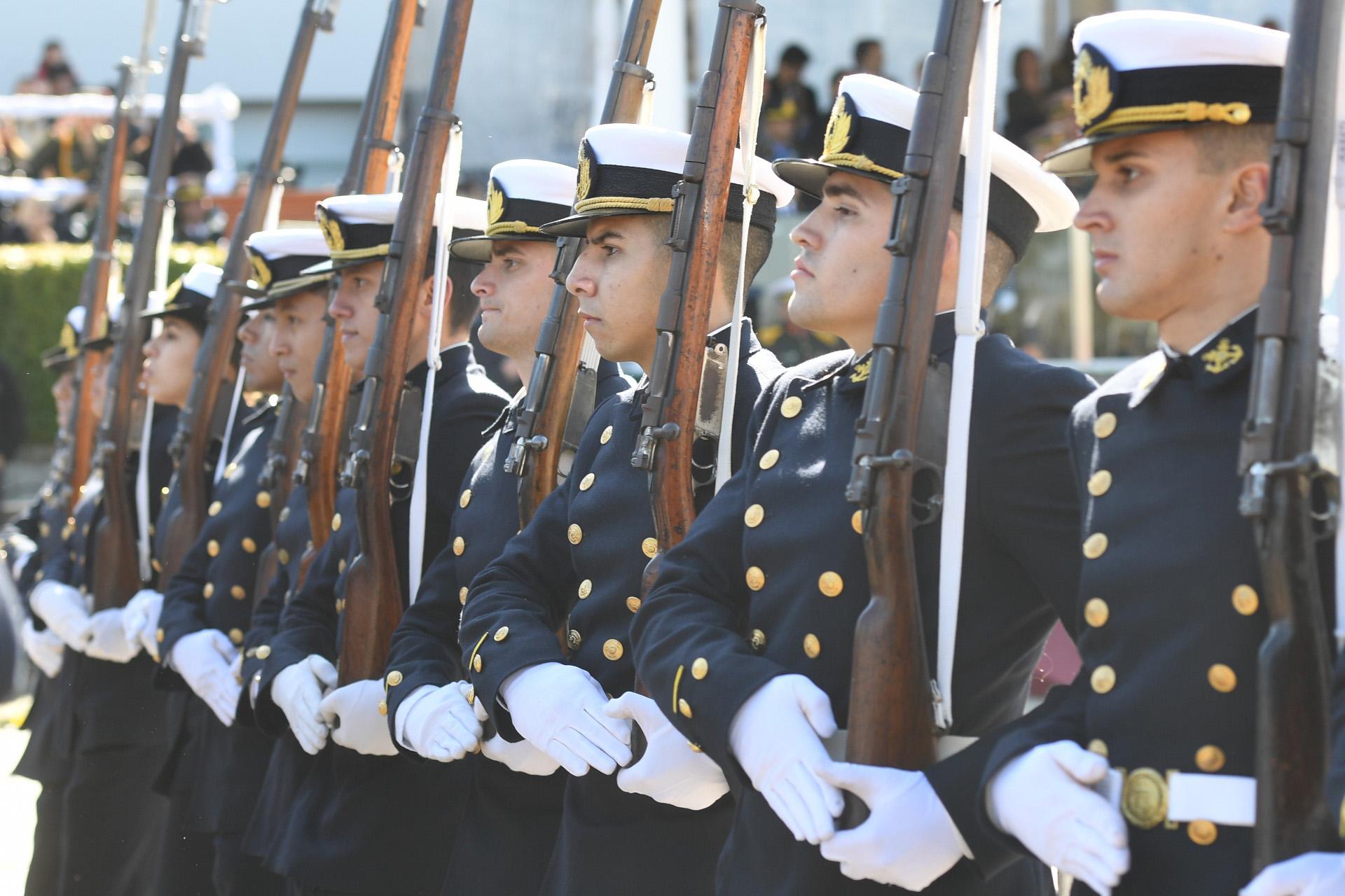 Luego de los discuros, se realizó un desfile en honor a la ministra y a la Gendarmería