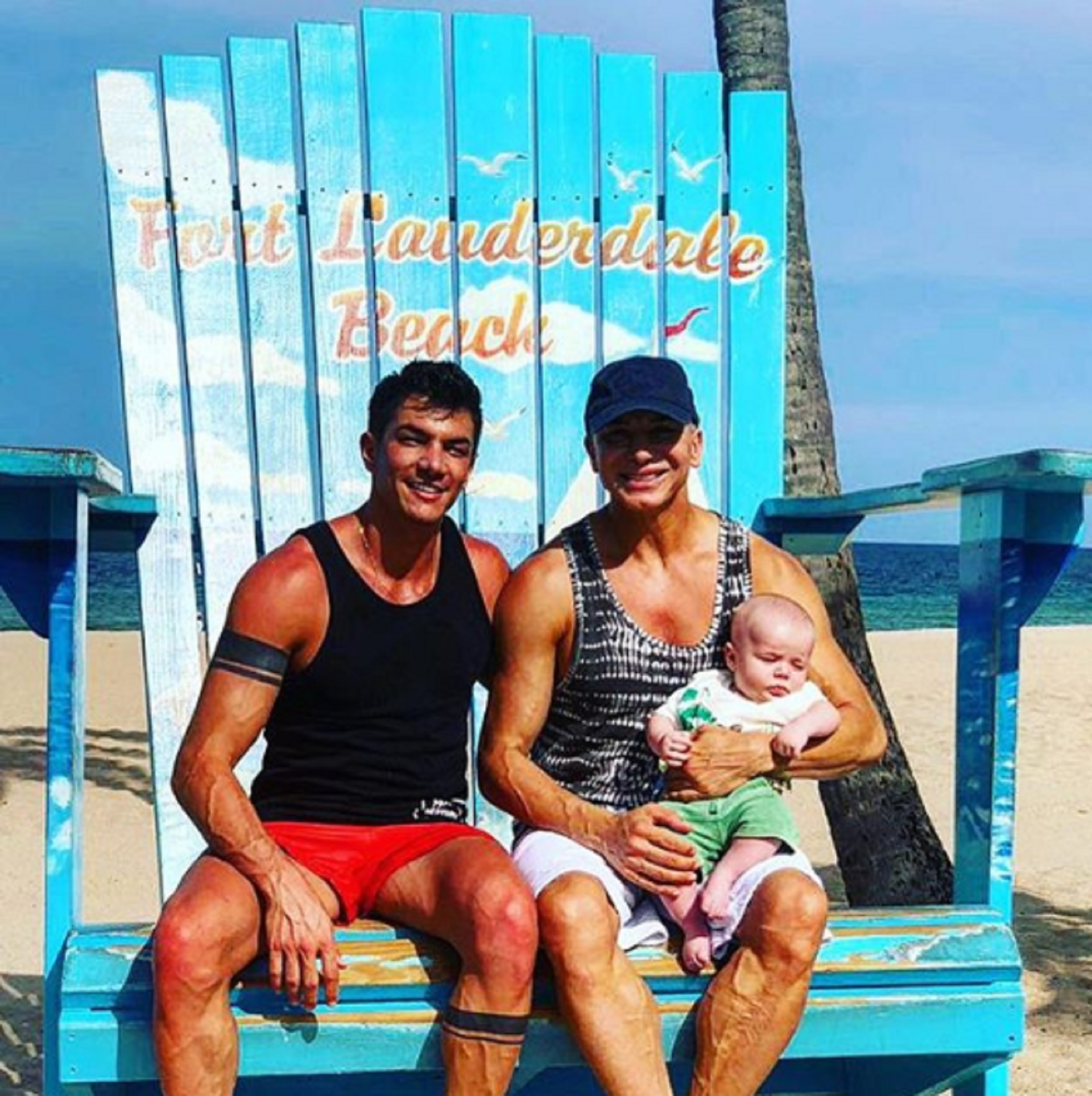 Tras muchos años de estar solo, Flavio Mendoza (43) está en pareja con Daniel Allodi (32). El empresario es dueño de un solarium ubicado en la zona de Caseros (Instagram)