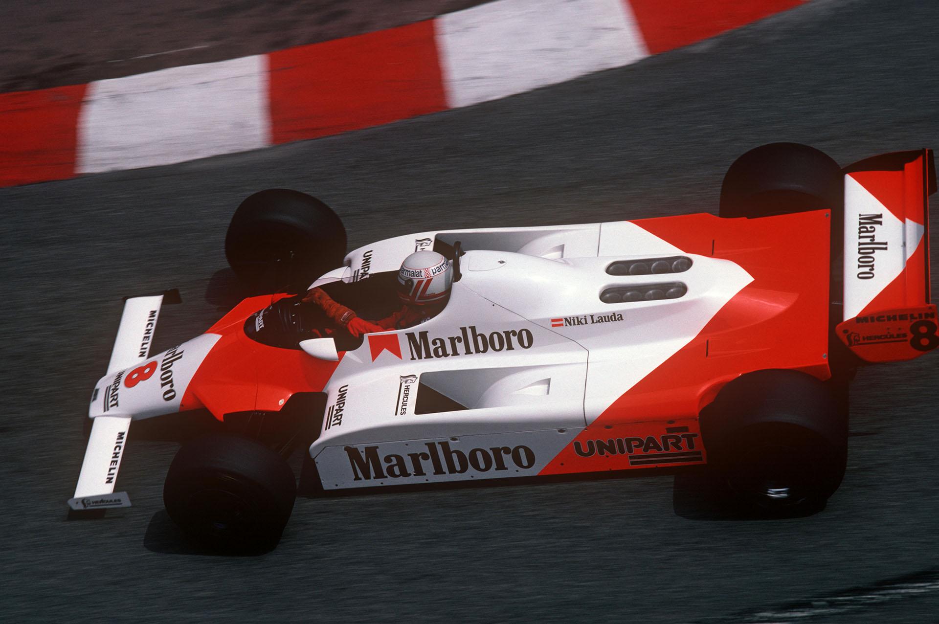 El ex piloto austríaco se impuso en 25 carreras y ganó tres títulos del mundo