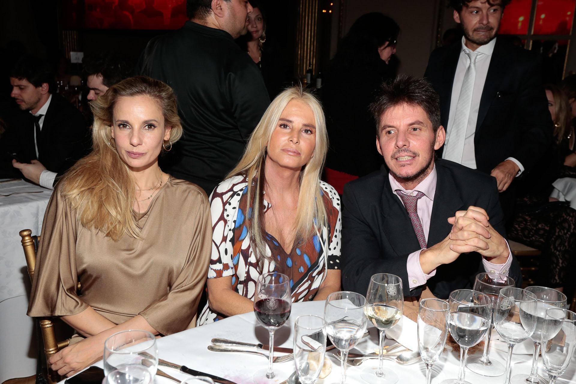 Julieta Cardinali, Mercedes Sarrabayrouse y Gerard Confalonieri