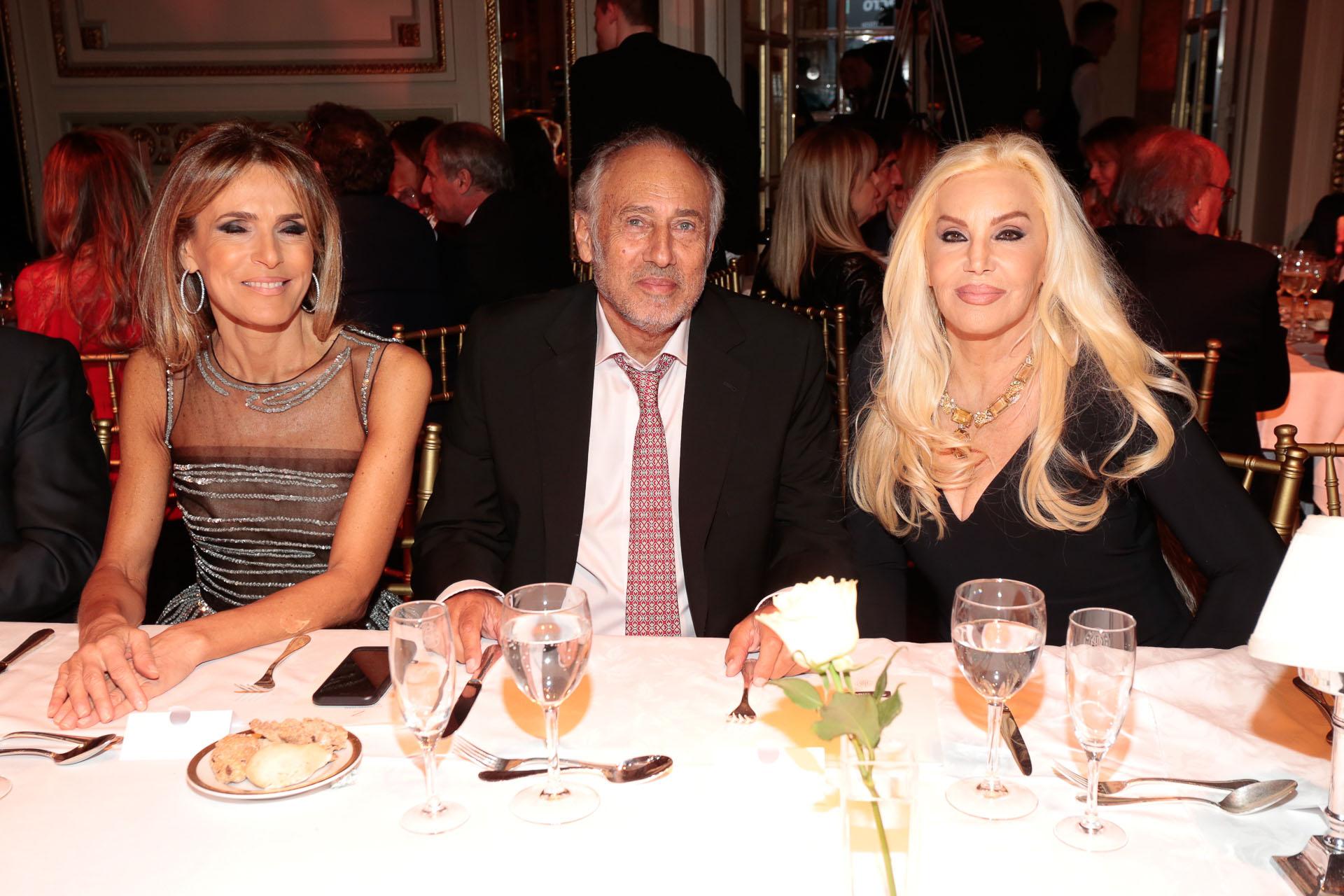Rossella Della Giovampaola, Gustavo Yankelevich y Susana Giménez