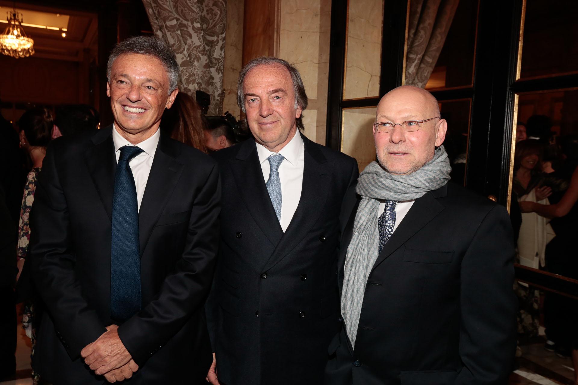 El ex ministro de Producción, Francisco Cabrera, junto a Roberto Zaldivar