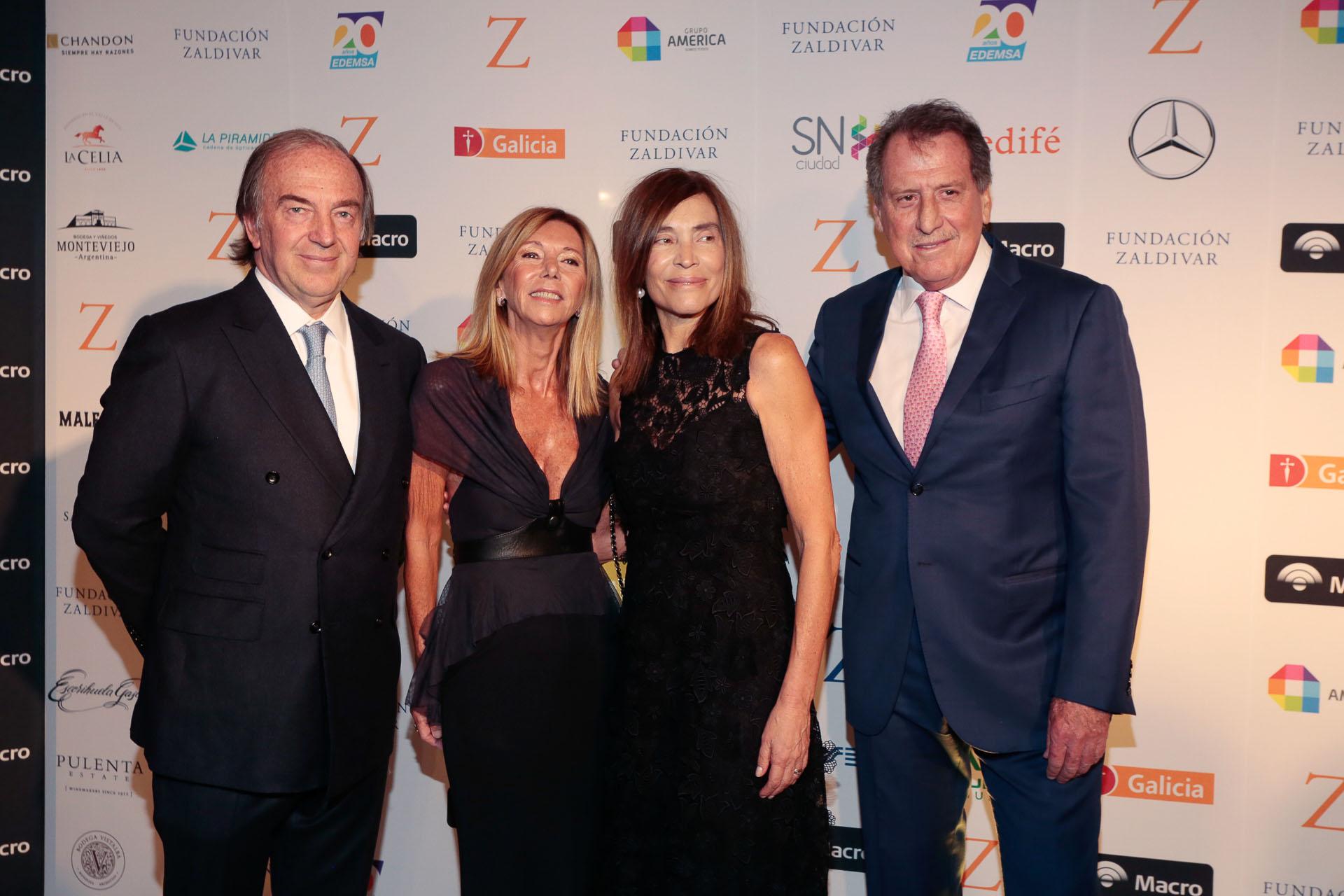Roberto y Estela Zaldivar junto a Jorge Brito y su mujer