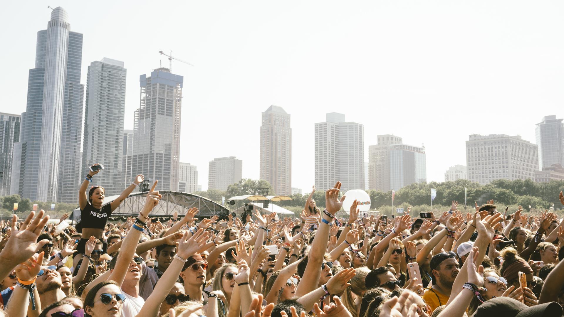 La fiesta siguió en el tercer día del festival. Una multitud vivió el Lollapalooza debajo de un sol radiante.