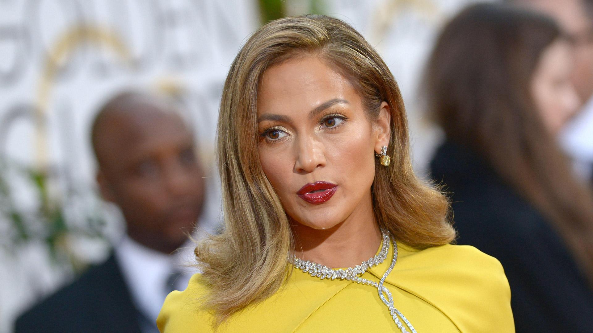 Jennifer Lopez es cantante, bailarina, actriz, compositora, diseñadora de moda y productora discográfica