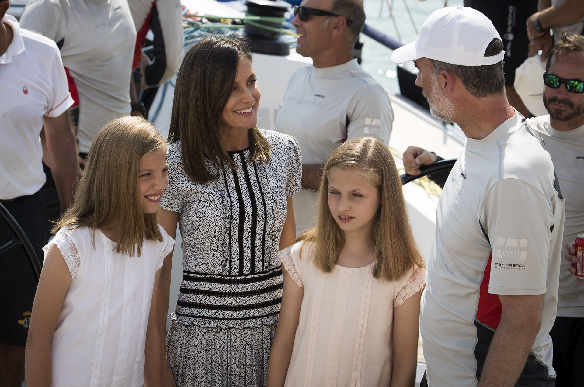 Los reyes y sus hijas se encuentran instalados en el Palacio de la Almudaina, a pesar de que usualmente pasan su receso de verano en el Palacio de Marivent
