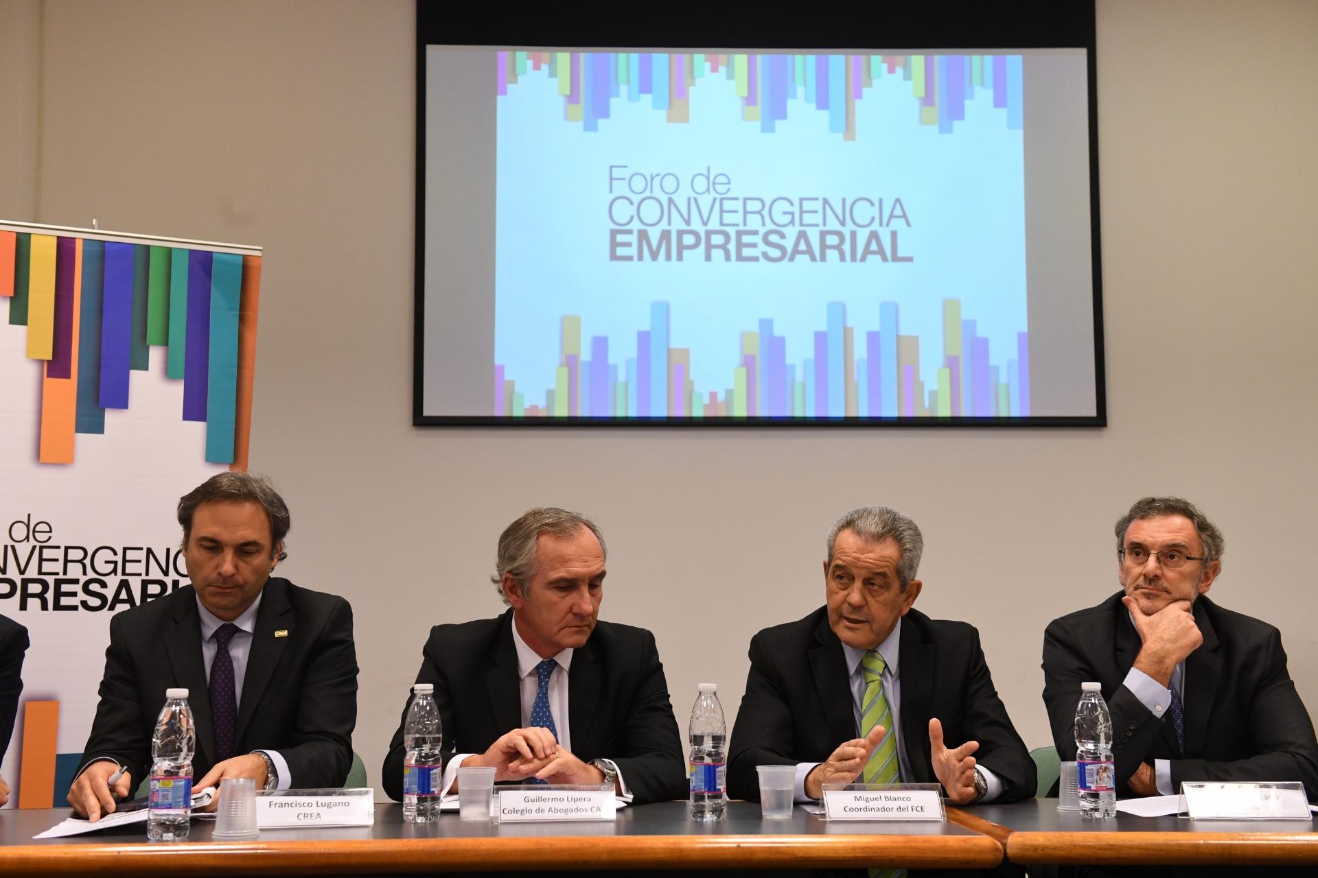 Francisco Lugano, Guillermo Lipera, Miguel Blanco y Claudio Cesareo, durante la reunión del Foro de Convergencia Empresarial