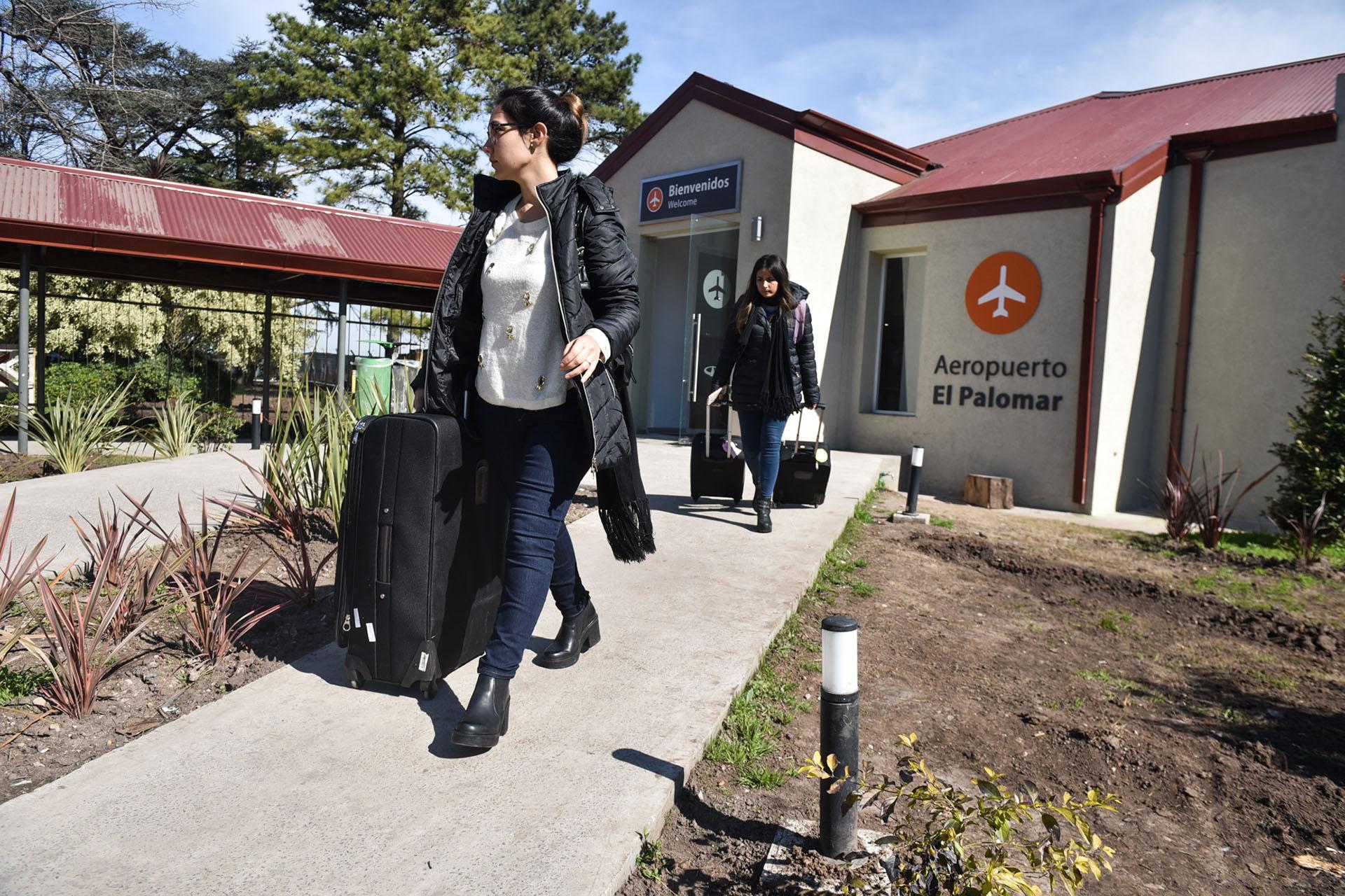 En el primer semestre, más de 360 mil pasajeros volaron en Flybondi (Fotos Guille Llamos)